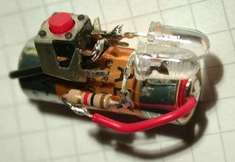 Een miniatuur zaklantaarn